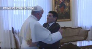 Maradona se reúne con el papa Francisco y anuncia Partido por la Paz
